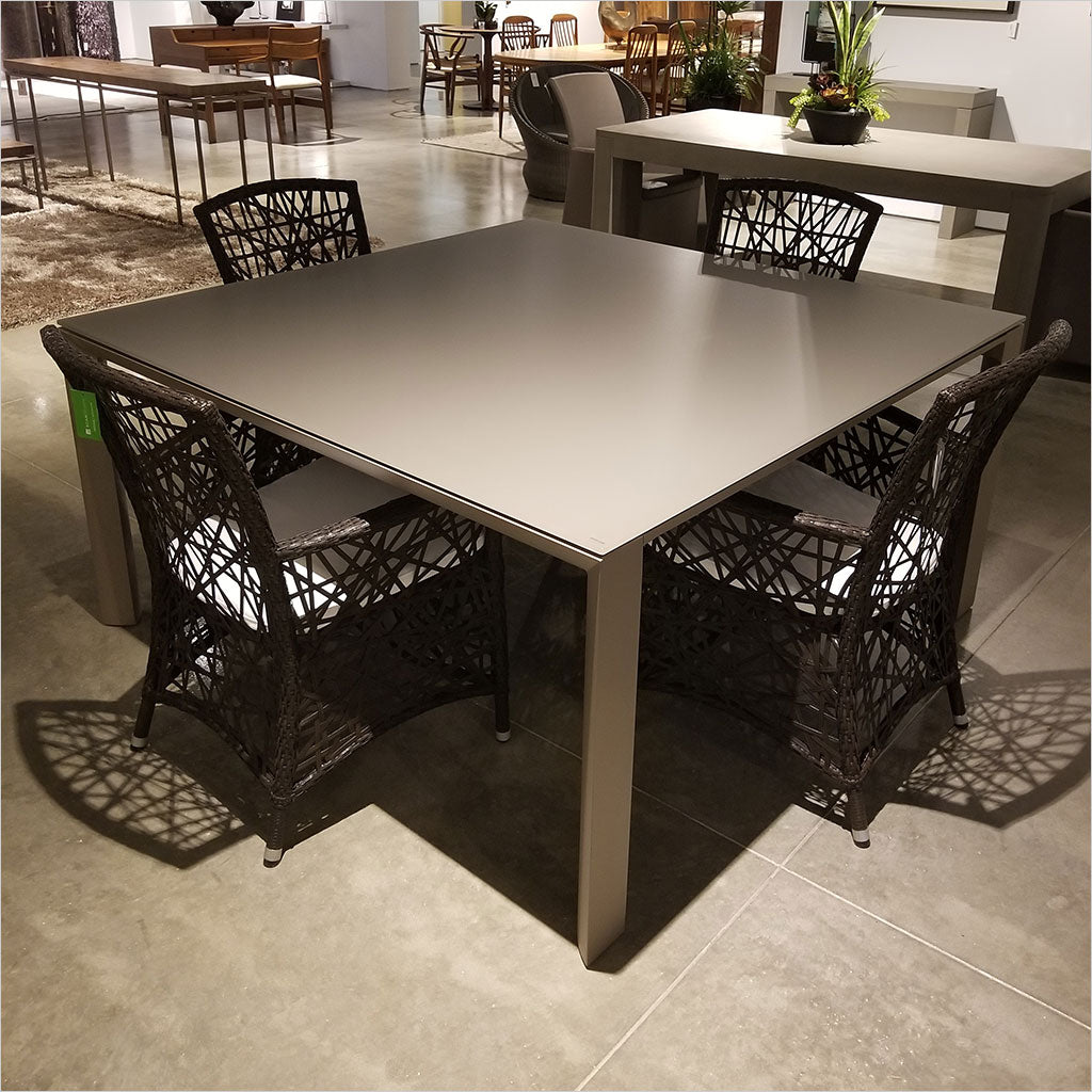 outdoor square dining table