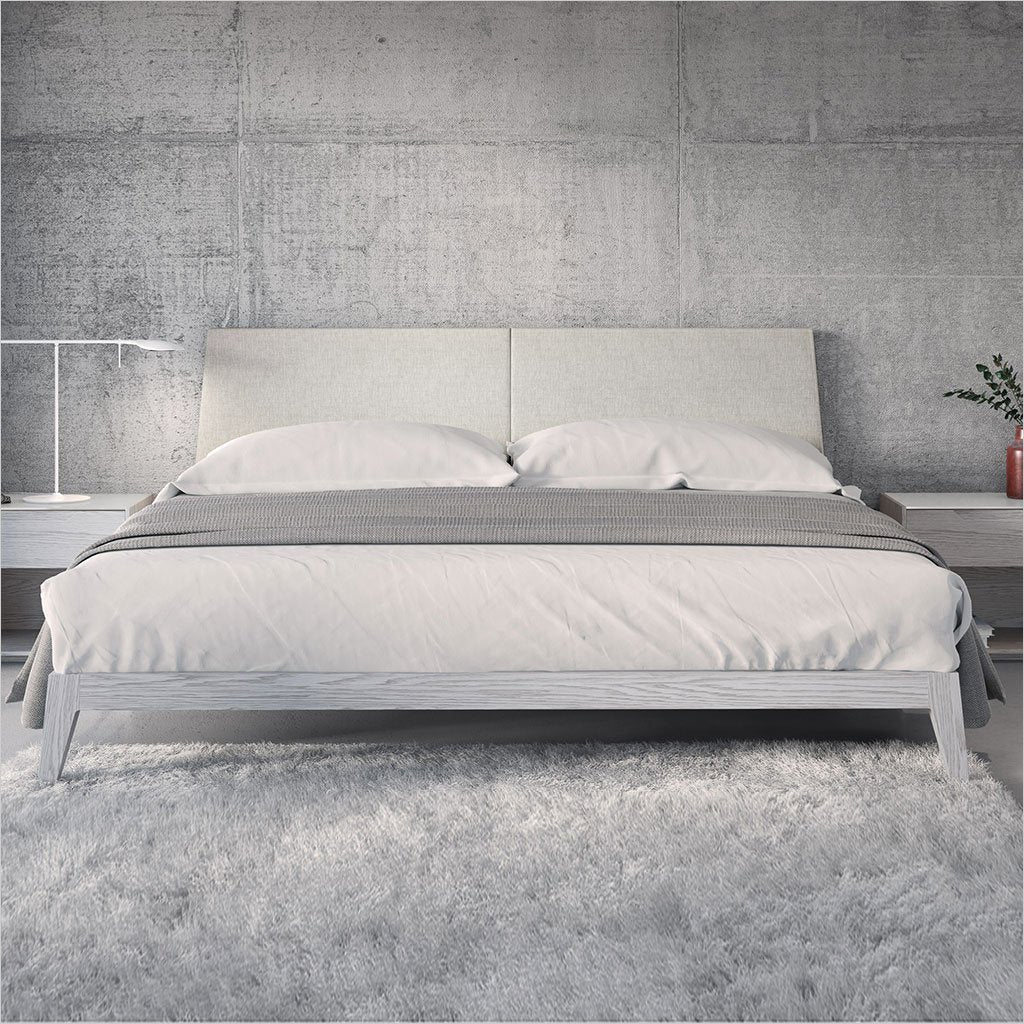 Picture of: Emma Platform Bed Scan Design Modern And Contemporary Furniture Store