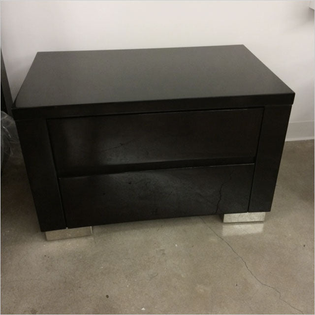 high-gloss nightstand