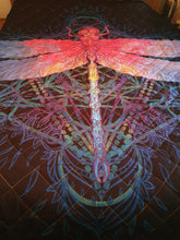 Load image into Gallery viewer, Dragonfly Quilt