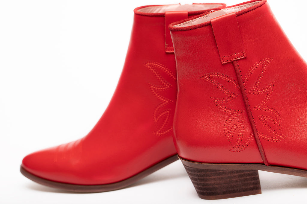Bottines plates en cuir rouge - Coralie Masson