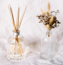 Load image into Gallery viewer, Peppermint Grove Diffuser Gardenia Mini 100ml