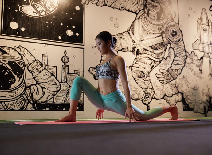 What kind of clothing for Yoga ?