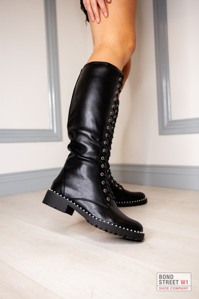 HQ249 Black Slim Fitting Knee High Boot