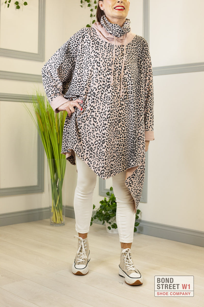 Felan Pink Leopard Print Scoop Top