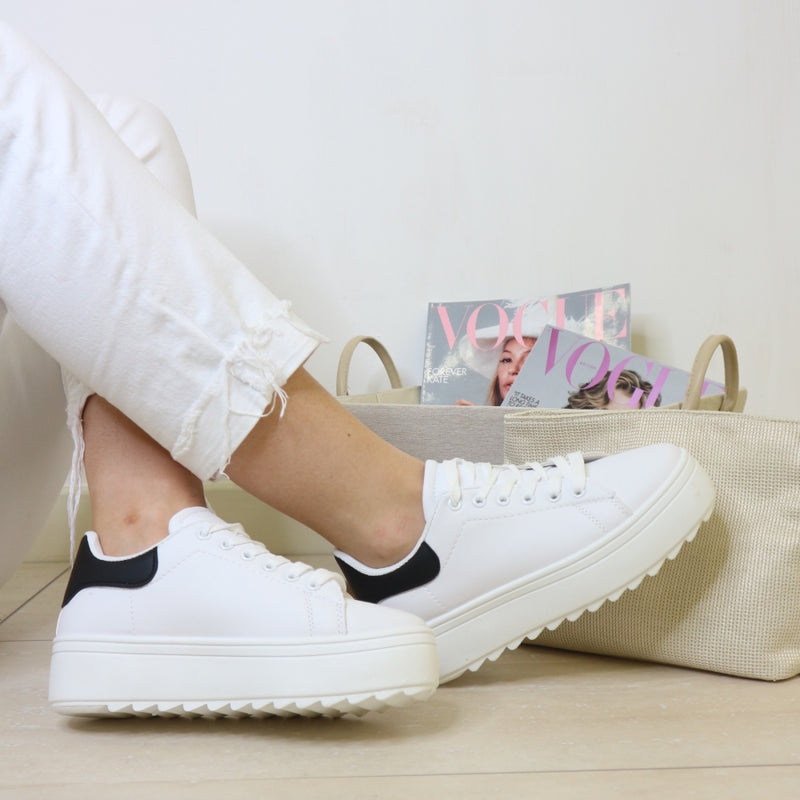 White/black chunky platform trainers