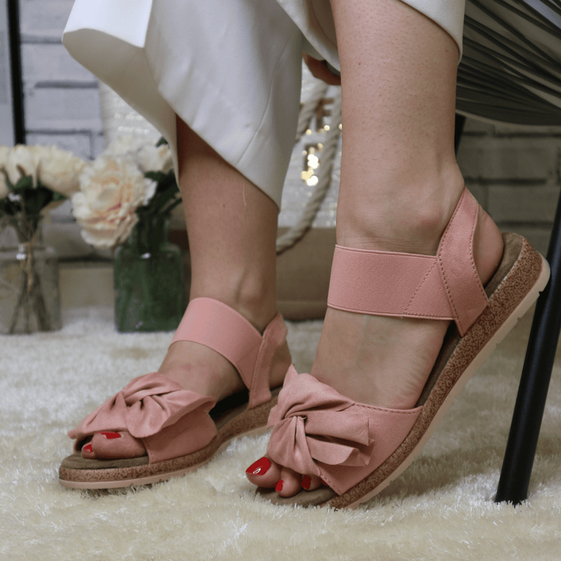 Pink knot sandals