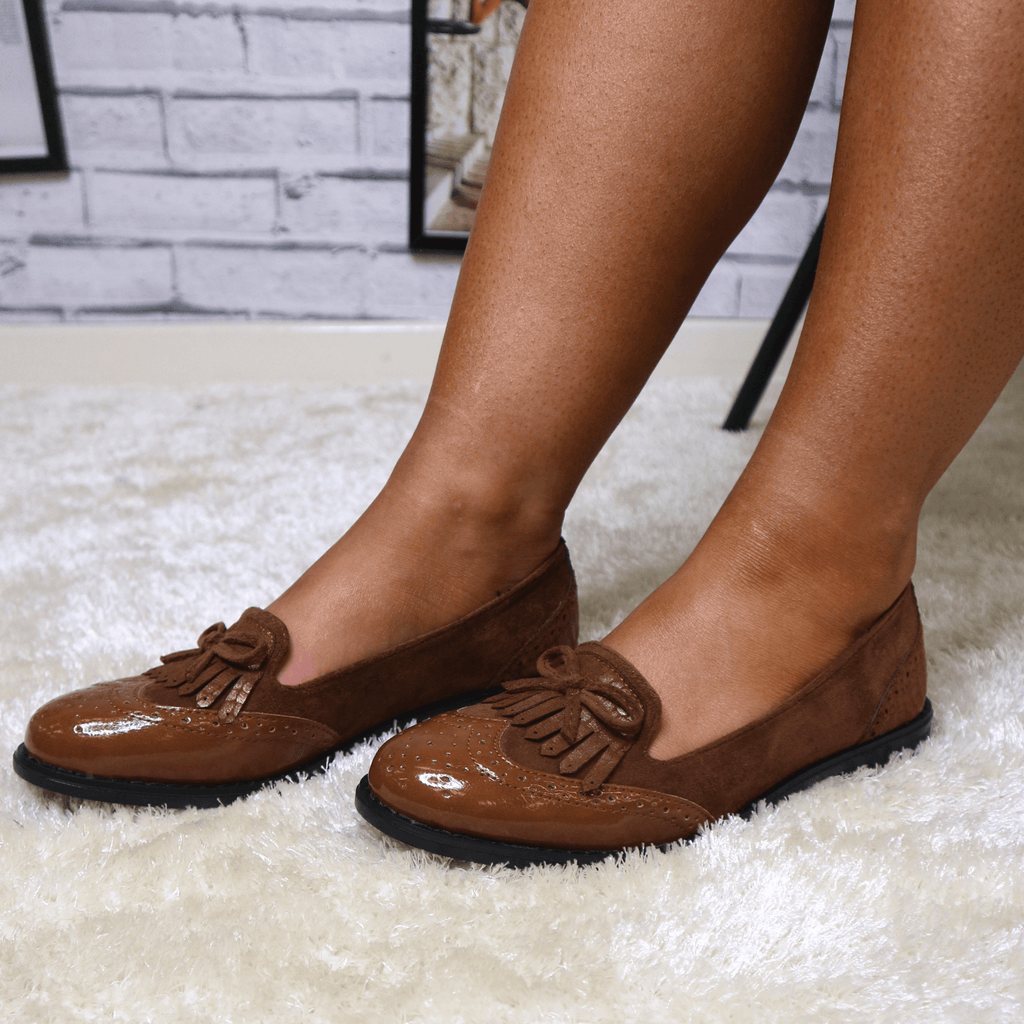 Camel bow loafers