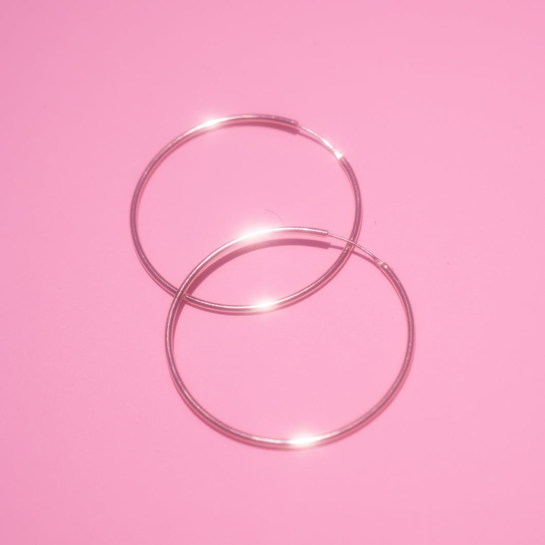 Medium Round Seamless Hoops