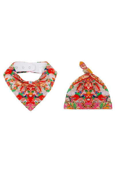 BABIES BIB AND BEANIE SET KIMONO KISSES