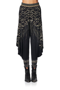 JERSEY DRAPE PANT WITH POCKET UNDER A FULL MOON