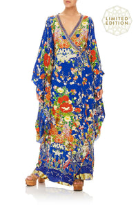 KIMONO WITH SPLIT SLEEVE PLAYING KOI
