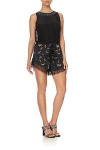 LOOSE LACE HEM SHORT LOVE BUG