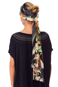 QUEEN OF KINGS KNITTED HEAD BAND W SILK SCARF