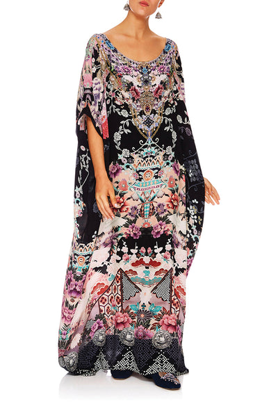 CAMILLA NIGHTS WITH HER ROUND NECK KAFTAN
