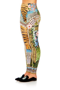 A WOMANS WISDOM LEGGINGS