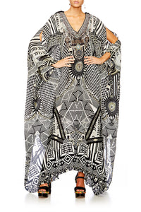 HANGING AROUND SLIT FRONT & SLEEVE KAFTAN
