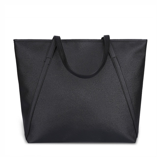 Simple & Spacious Day Bag / Black
