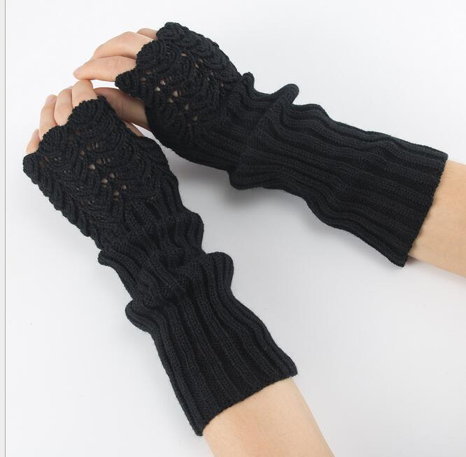 Knitted Finger Mitts / Black