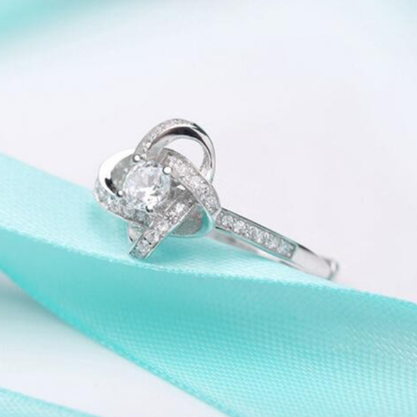 Mother's Knot™ Ring