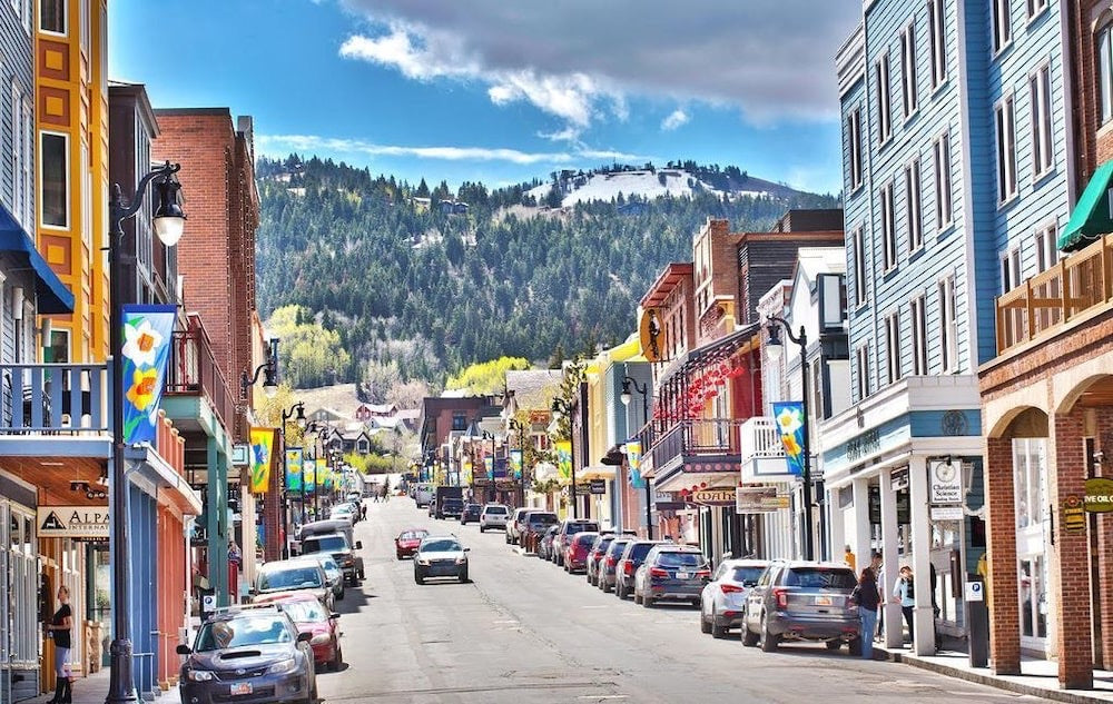 a CAKE Guide: How to summer in Park City like a local
