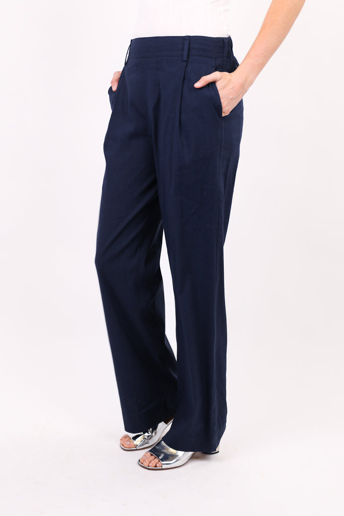Pleat Front Pull On Pant