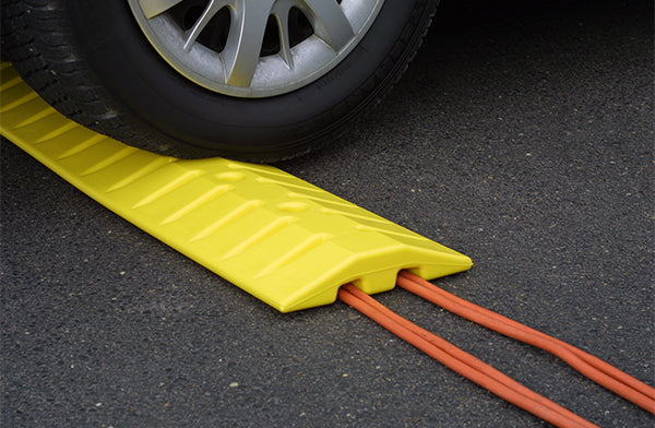 Material Handling Traffic Safety Speed Bumps Speed Bump/Cable Crossing Unit, 6 Ft. Yellow