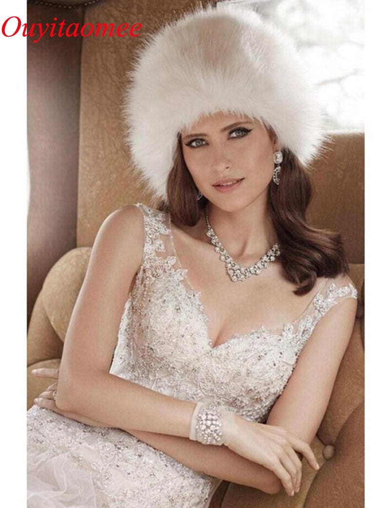 2018 New Arrival Wedding hats for Women Winter Faux Fur White Black Wedding Party Hats Lady Warm Classic Casual Style