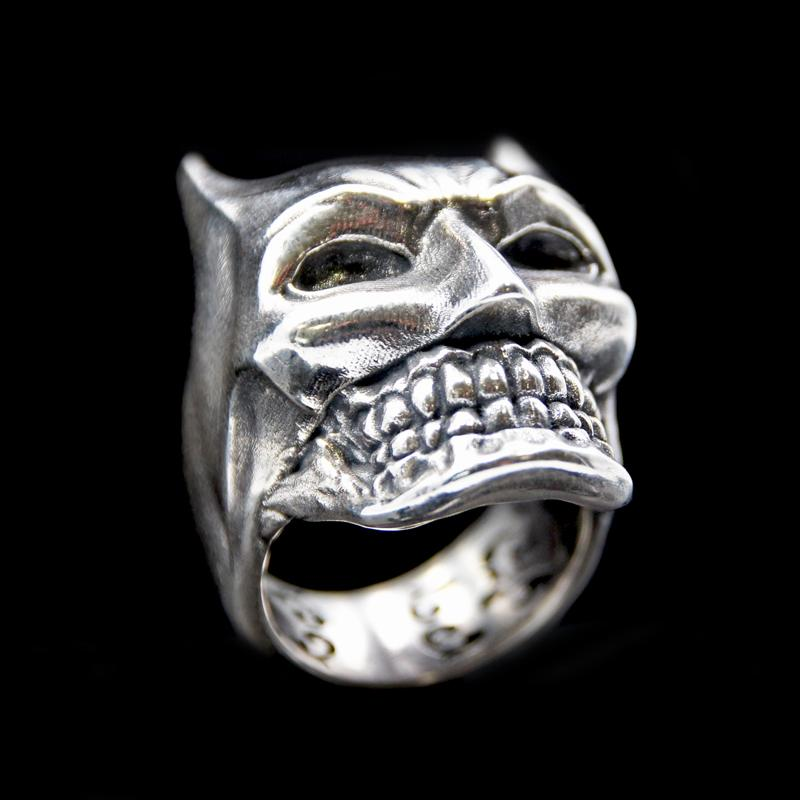 the bat skull ring silver 2