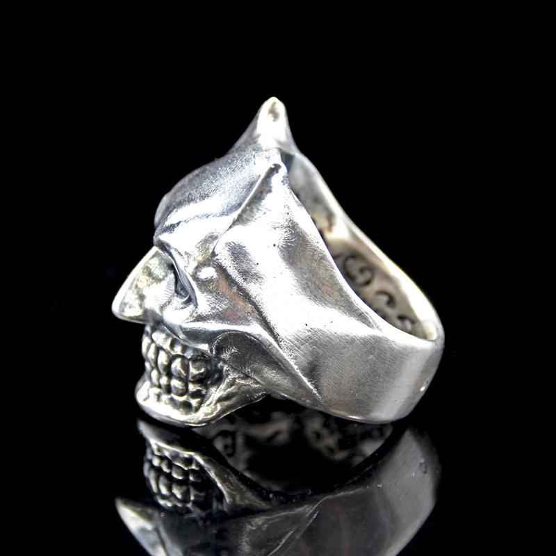 the bat skull ring silver 3