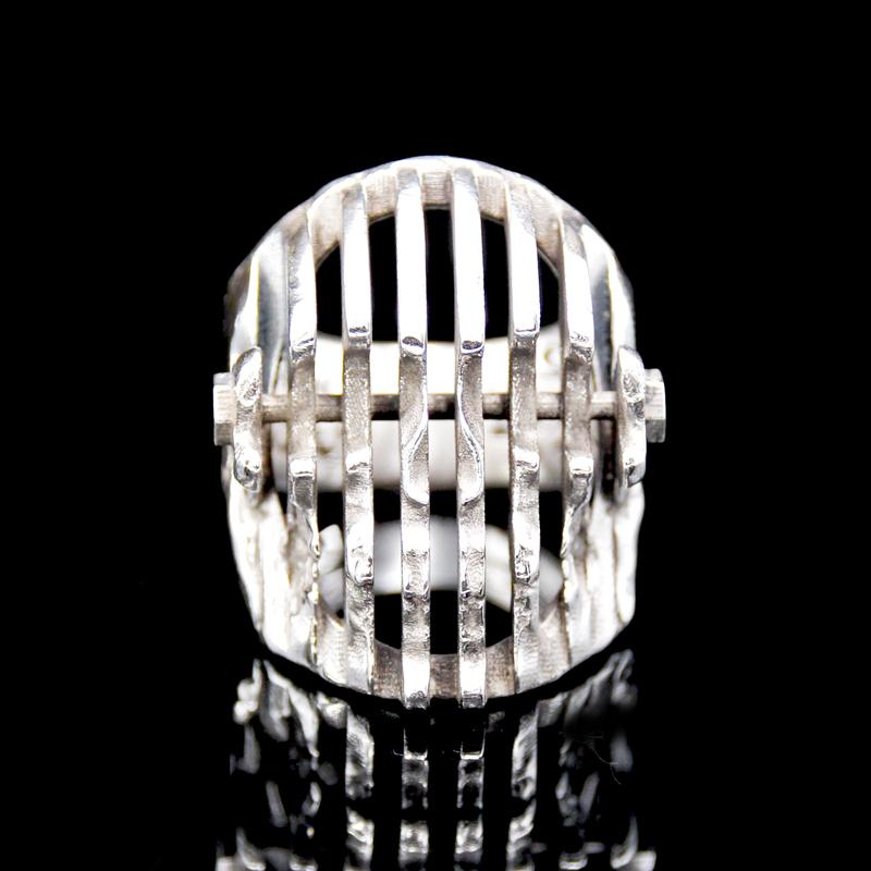 The Doppler Skull Ring silver 4