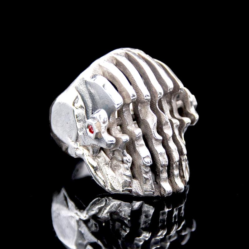 The Doppler Skull Ring silver 2