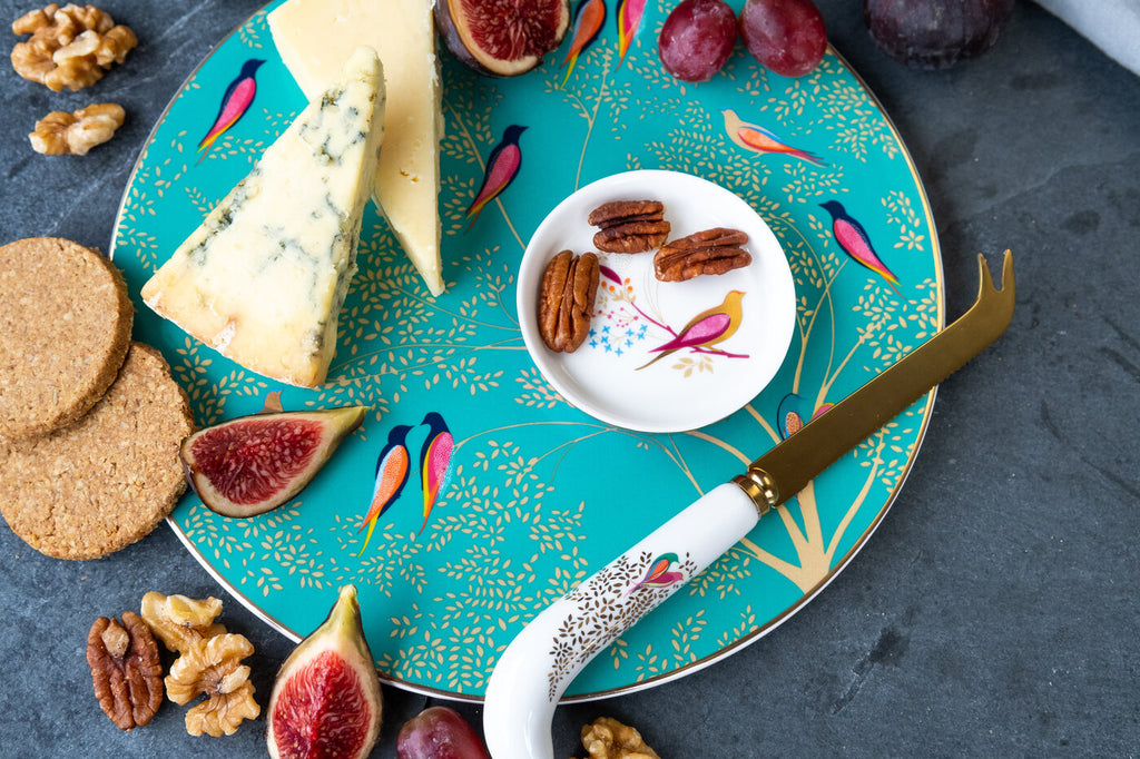 Sara Miller Chelsea Cheese Plate and Knife