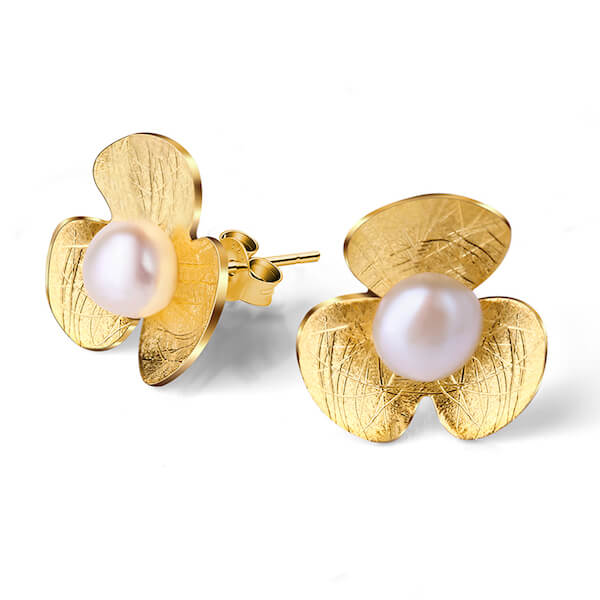Handmade Pearl 'Clover Flower' Stud Earrings - Sterling Silver 925