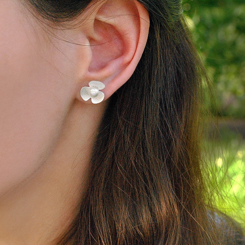 Handmade Pearl 'Clover Flower' Stud Earrings - Gold and Sterling Silver 925