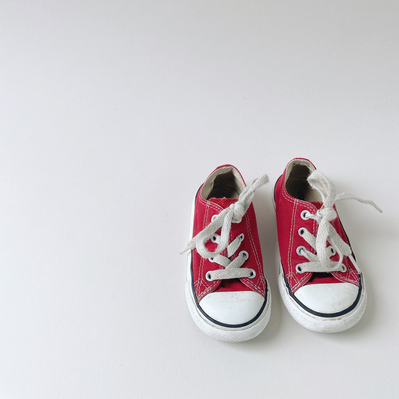 Red Low Top Chuck Taylor Converse All Stars / Toddler 6
