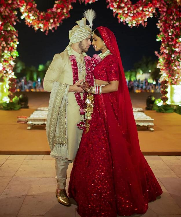 A100-Beautiful Latest Priyanka Chopra wedding lehenga - Stylizone