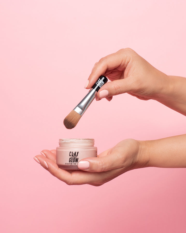 mask with application brush