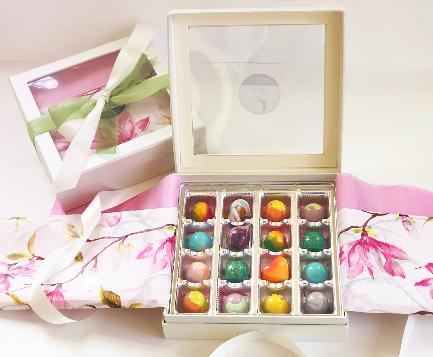 Mother's Day Collection 16 Piece Box