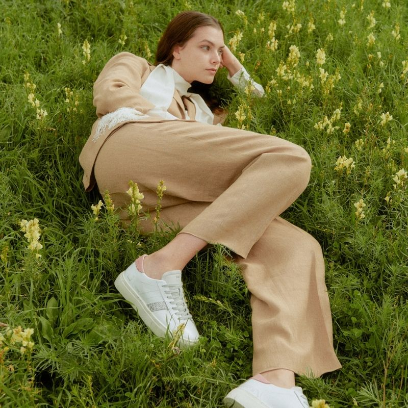 Linen and D.A.T.E. sneakers