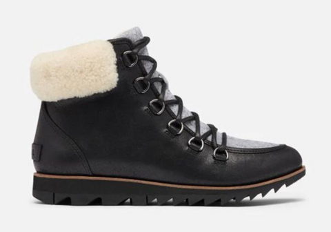 Harlow Sorel black boot with white shearling collar