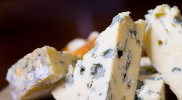10 Amazing Health Benefits Of Blue Cheese