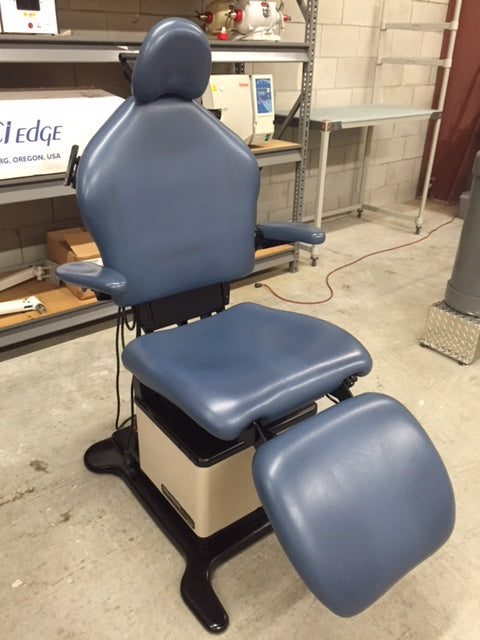 Midmark 419 Power Examination Table