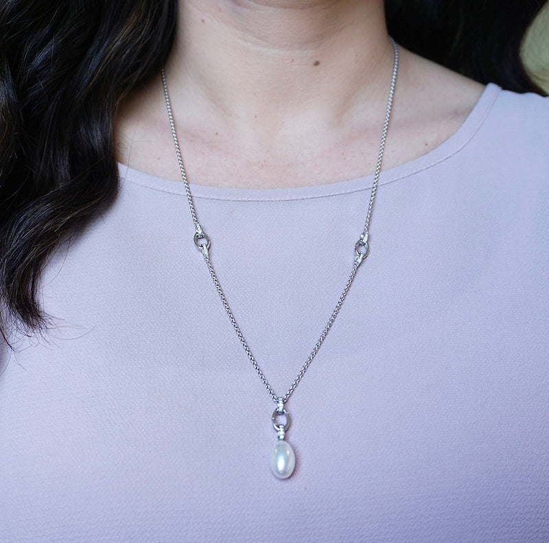 White Gold Pearl & Diamond Pendant