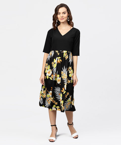 Black printed 3/4th sleeve v-neck dress