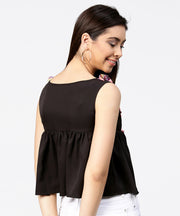 Black sleeveless crepe pleated tops