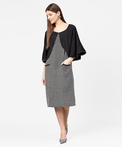 Black check printed flared sleeve double pocket dress