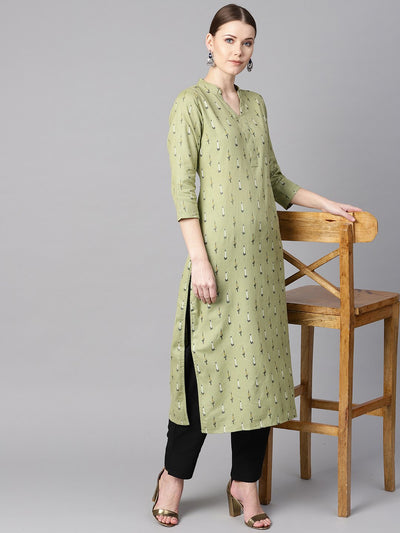 Green Ikat printed 3/4th sleeve kurta with Solid Black Pants