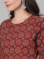 Women Maroon Calf Length Three-Quarter Sleeves Straight Ethnic Motif Printed Cotton Kurta with pockets And Face Mask