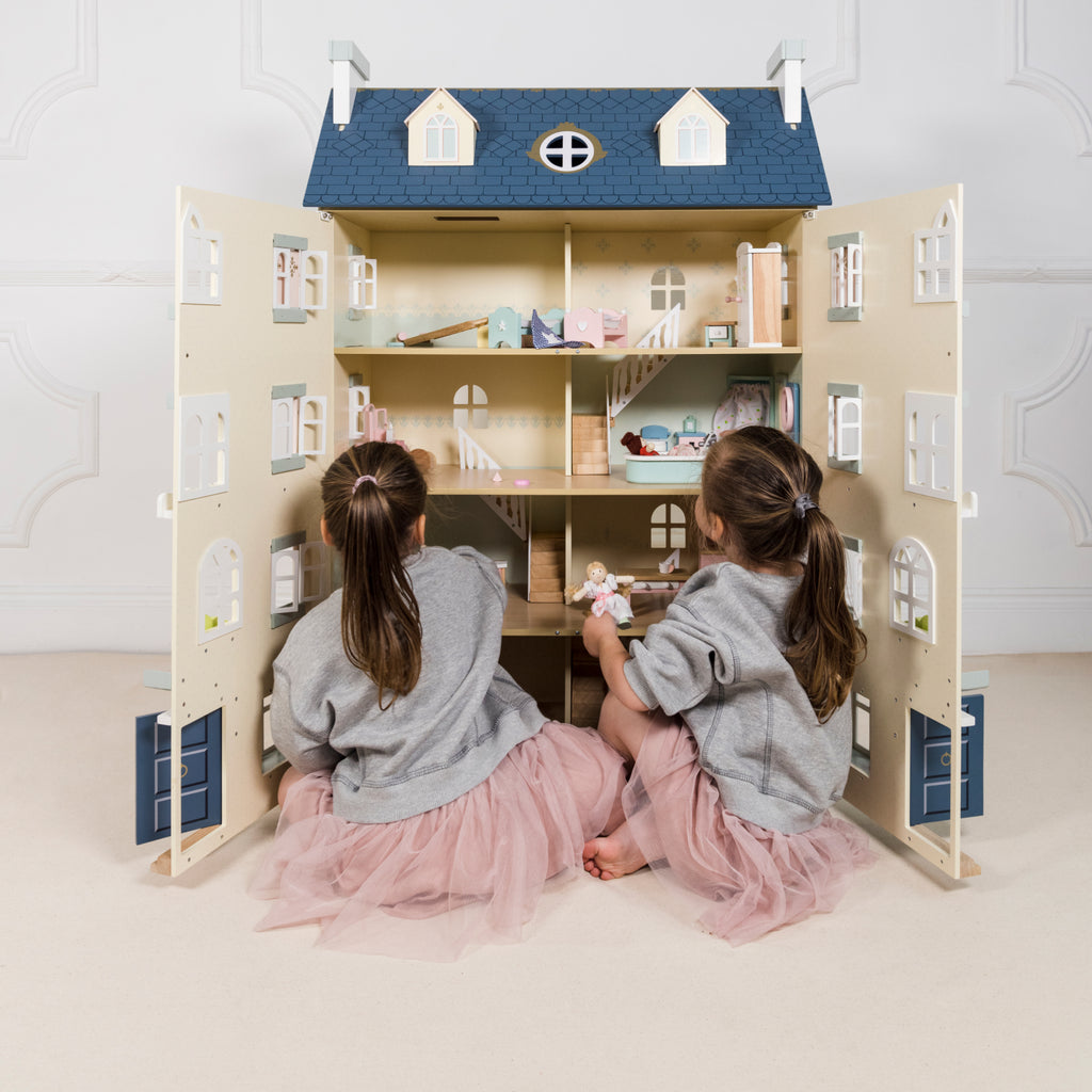 Daisylane – Our signature wooden dolls house and dolls house accessories collection